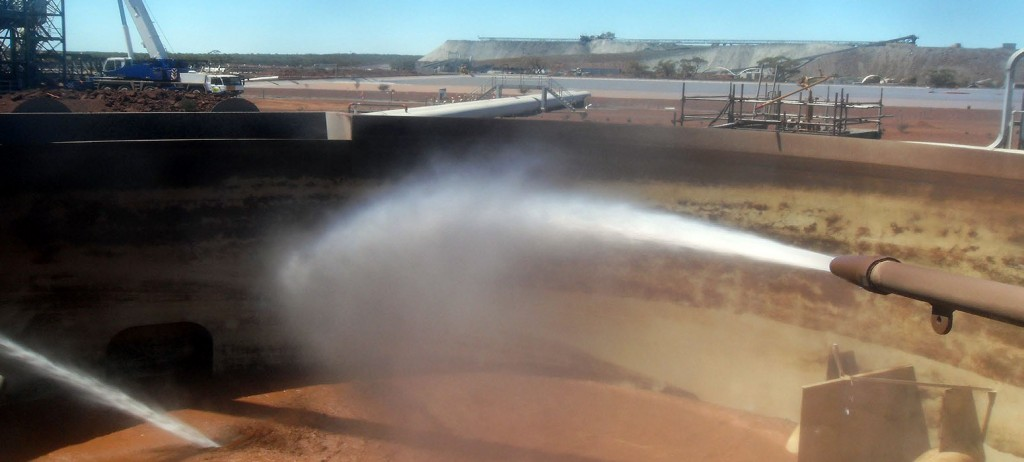 Hydromining – Thickener Tank Clean